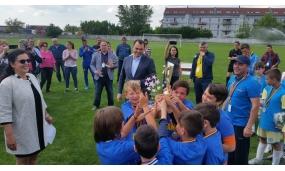 """Participare la finala turneului de fotbal """"Olimpiada Națională a Sportului Școlar"""" și înmânarea trofeului câștigătorilor - 21 mai 2017"""