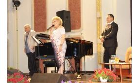 """Înmnârea plachetei de cetațean de onoare compozitorului Horia Moculescu și participarea la spectacolul """"Medalion de compozitor – Horia Moculescu 80"""" - 30 mai 2017"""