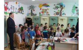 Cadouri de Moș Nicolae copiilor din grădinițe - 6 decembrie 2017