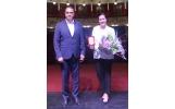 Primarul Misăilă a premiat-o pe actrița care aduce la Focșani premiul pentru interpretare feminină al Uniunii Cineaștilor