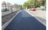 Primul strat de asfalt și pe strada Aleea Școlii