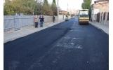 Primul strat de asfalt și pe strada Ion Basgan
