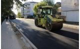 A fost turnat primul strat de asfalt pe strada Dornisoarei